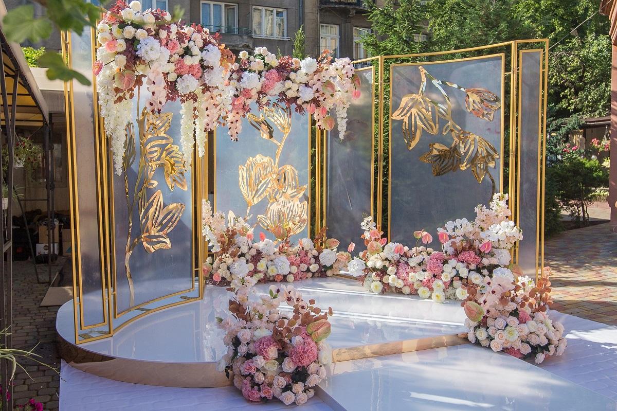 Конструкції на весілля